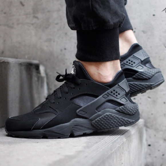 san francisco c05ac de48b Nike women s Air Huarache Run Triple Black